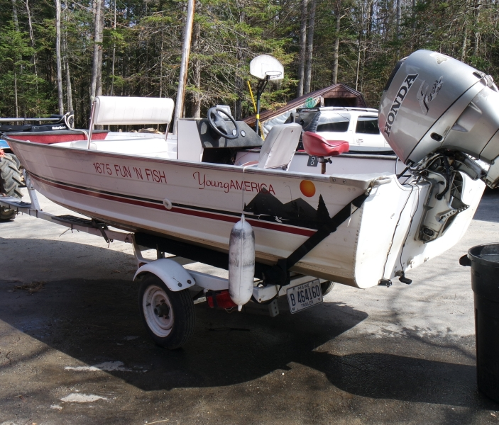 16 39 aluminum fishing boat beacon boat rentals wayne maine for Fishing boat rentals near me